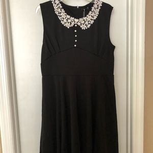 40s style with lace Peter Pan collar
